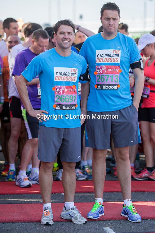 Michael Owen with fellow runners at the Green Start at The Virgin Money London Marathon 2014 on Sunday 13 April 2014<br /> Photo: Neil Turner/Virgin Money London Marathon<br /> media@london-marathon.co.uk