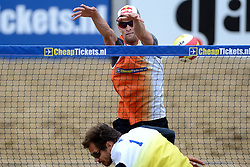 16-08-2014 NED: NK Beachvolleybal 2014, Scheveningen<br /> Robert Meeuwsen, Reinder Nummerdor