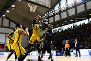 sims rimbalzo<br /> vanoli cremona - dolomiti trento<br /> Legabasket Serie A 2017/18<br /> Brescia, 15/04/2018<br /> Foto G.Checchi / Ciamillo-Castoria