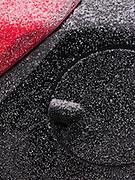 Poesie: Ein Hauch Schnee auf einem Auto. Un soupçon de neige sur une voiture neuve ... © Romano P. Riedo
