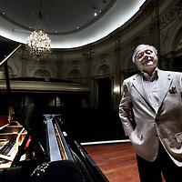 Nederland, Amsterdam , 7 maart 2012..Marco Riaskoff is de man die al 25 jaar de serie Meesterpianisten in het Concertgebouw  organiseert. Zondag is er een jubileumconcert..Foto:Jean-Pierre Jans