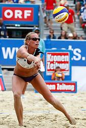 06-08-2011 VOLLEYBAL: FIVB WORLD TOUR GRANDSLAM: KLAGENFURT<br /> Sanne Keizer (NED)<br /> ©2011-FotoHoogendoorn.nl / Erwin Scheriau
