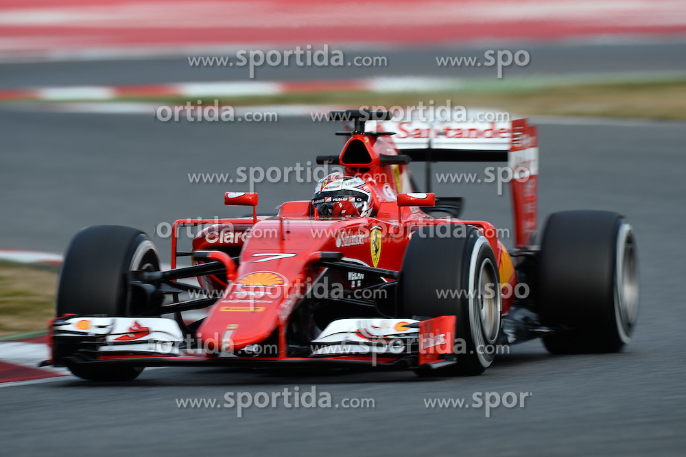 26.02.2015, Circuit de Catalunya, Barcelona, ESP, FIA, Formel 1, Testfahrten, Barcelona, Tag 1, im Bild Kimi Raikkonen (FIN) Ferrari SF15-T // during the Formula One Testdrives, day one at the Circuit de Catalunya in Barcelona, Spain on 2015/02/26. EXPA Pictures &copy; 2015, PhotoCredit: EXPA/ Sutton Images/ Patrik Lundin Images<br /> <br /> *****ATTENTION - for AUT, SLO, CRO, SRB, BIH, MAZ only*****