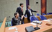 Nederland. Den Haag, 12 november 2009.<br /> De Tweede Kamer, debat over de AOW. Bewindspersonen Balkenende, Bos en Klijnsma voor aanvang. Vierde kabinet Balkenende, Balkenende IV, Balkenende Vier, coalitie<br /> Foto Martijn Beekman