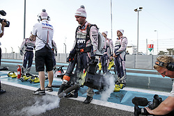 November 26, 2017 - Abu Dhabi, United Arab Emirates - Motorsports: FIA Formula One World Championship 2017, Grand Prix of Abu Dhabi, .mechanic of Sahara Force India F1 Team  (Credit Image: © Hoch Zwei via ZUMA Wire)