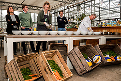 28-03-2018 NED: Kickstart Food van Rabobank, Utrecht<br /> A clever mix of the tastiest seasonal vegetables for the sports public, coming from Dutch local companies. That is the core of the new food program that enables Rabobank and the Nevobo at the Moestuin in Utrecht / (L-R) Debby Pilon-Stam and Erik te Velthuis, chef of the top sports restaurant at top sports center Papendal