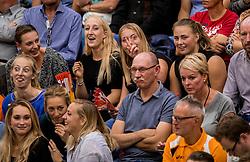 23-09-2016 NED: EK Kwalificatie Nederland - Oostenrijk, Koog aan de Zaan<br /> Nederland wint met 3-0 van Oostenrijk / Oranje support publiek