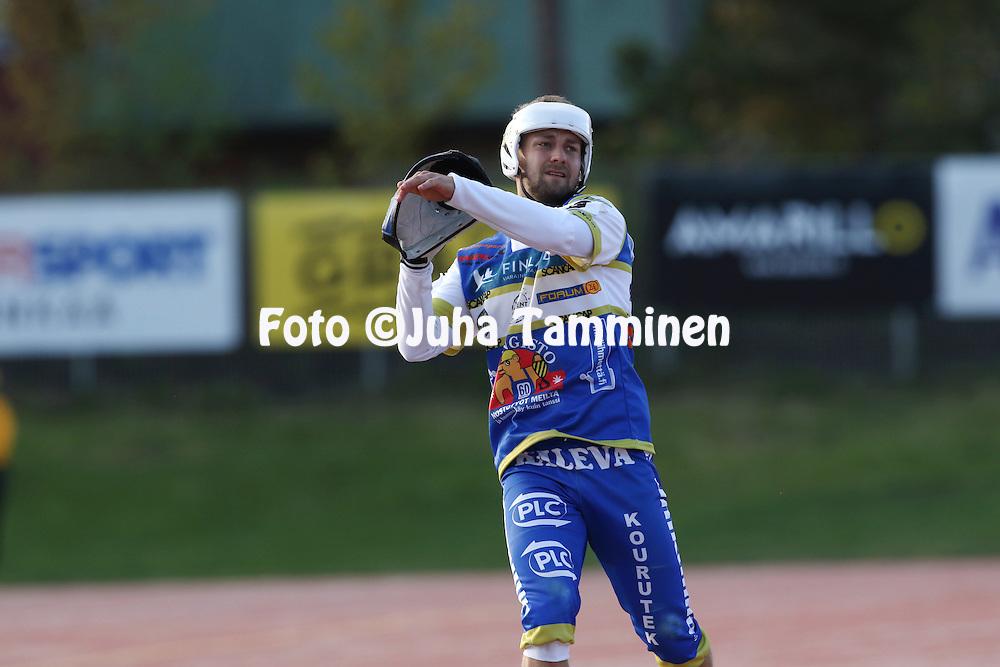 13.5.2016, Pihkala, Hyvink&auml;&auml;.<br /> Superpesis 2016.<br /> Hyvink&auml;&auml;n Tahko - Oulun Lippo.<br /> Tapani Piri - Oulu