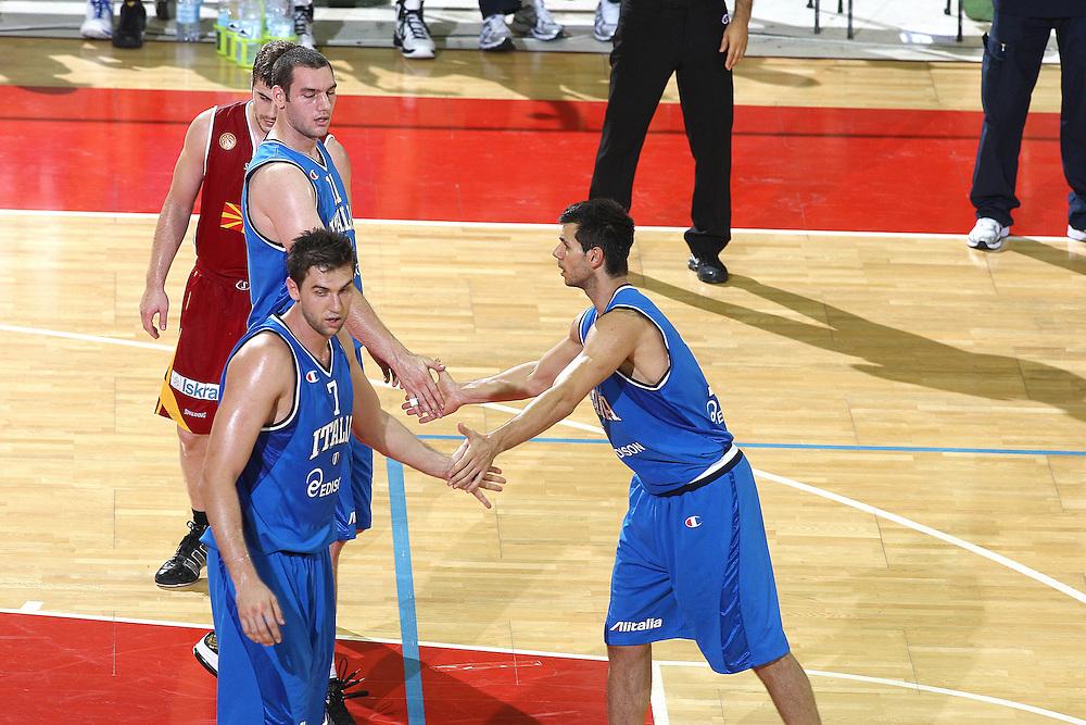 DESCRIZIONE : Firenze I&deg; Torneo Nelson Mandela Forum Italia Macedonia<br /> GIOCATORE : Marco Carraretto Andrea Margnani<br /> SQUADRA : Nazionale Italiana Uomini <br /> EVENTO : I&deg; Torneo Nelson Mandela Forum Italia Macedonia<br /> GARA : Italia Macedonia<br /> DATA : 16/07/2010 <br /> CATEGORIA : esultanza<br /> SPORT : Pallacanestro <br /> AUTORE : Agenzia Ciamillo-Castoria/GiulioCiamillo<br /> Galleria : Fip Nazionali 2010