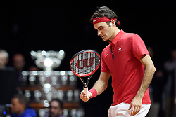 21.11.2014, Stade Pierre Mauroy, Lille, FRA, Davis Cup Finale, Frankreich vs Schweiz, im Bild Roger Federer (SUI) enttaeuscht // during the Davis Cup Final between France and Switzerland at the Stade Pierre Mauroy in Lille, France on 2014/11/21. EXPA Pictures © 2014, PhotoCredit: EXPA/ Freshfocus/ Valeriano Di Domenico<br /> <br /> *****ATTENTION - for AUT, SLO, CRO, SRB, BIH, MAZ only*****