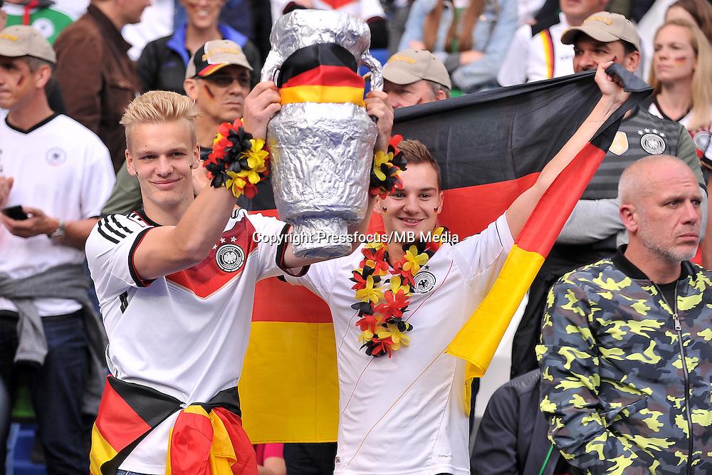 2016.06.16 Saint-Denis<br /> Pilka nozna Euro 2016<br /> mecz grupy C Polska - Niemcy<br /> N/z Kibice Niemiec Fans<br /> Foto Lukasz Laskowski / PressFocus<br /> <br /> 2016.06.16 Saint-Denis<br /> Football UEFA Euro 2016 group C game between Poland and Germany<br /> Kibice Niemiec Fans<br /> Credit: Lukasz Laskowski / PressFocus