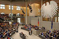 """14 MAR 2003, BERLIN/GERMANY:<br /> Uebersicht Plenum des Deutschen Bundestages mit Bundesadler, waehrend der Regierungserklaerung von Gerhard Schroeder, SPD, Bundeskanzler unter dem Titel """"Mut zum Frieden - Mut zur Veraenderung""""<br /> IMAGE: 20030314-01-057<br /> KEYWORDS: Gerhard Schröder, Reformrede, Übersicht Agenda 2010"""