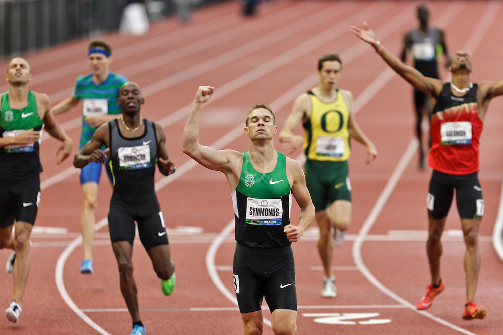 men's 800 meter final homestretch, Nick Symmonds, winner