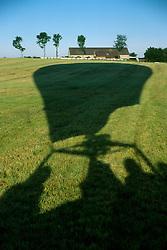 GERMANY SCHLESWIG-HOLSTEIN KIEL 9JUN02 - Landing on a field near a farmhouse in northern Germany's countryside...jre/Photo by Jiri Rezac..© Jiri Rezac 2002..Contact: +44 (0) 7050 110 417..Mobile:  +44 (0) 7801 337 683.Office:  +44 (0) 20 8968 9635..Email:   jiri@jirirezac.com.Web:     www.jirirezac.com