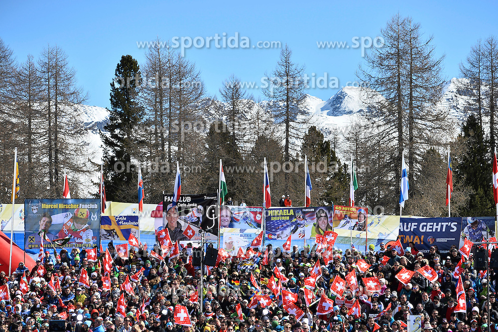 19.03.2016, Engiadina, St. Moritz, SUI, FIS Weltcup Ski Alpin, St. Moritz, Slalom, Damen, im Bild Zuschauer im Zielraum. // during ladie's Slalom of st. Moritz Ski Alpine World Cup finals at the Engiadina in St. Moritz, Switzerland on 2016/03/19. EXPA Pictures &copy; 2016, PhotoCredit: EXPA/ Freshfocus/ Manuel Lopez<br /> <br /> *****ATTENTION - for AUT, SLO, CRO, SRB, BIH, MAZ only*****