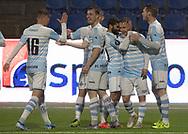 Målscorer Jeppe Kjær (FC Helsingør) lykønskes efter scoringen til 1-0 under kampen i 2. Division mellem FC Helsingør og Skovshoved IF den 11. oktober 2019 på Helsingør Ny Stadion (Foto: Claus Birch).
