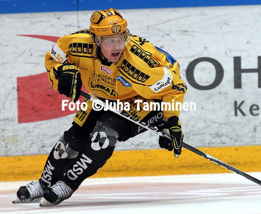 28.09.2010, H?meenlinna..J??kiekon SM-liiga 2010-11. .HPK - KalPa..Tommi Jokinen - KalPa.©Juha Tamminen.