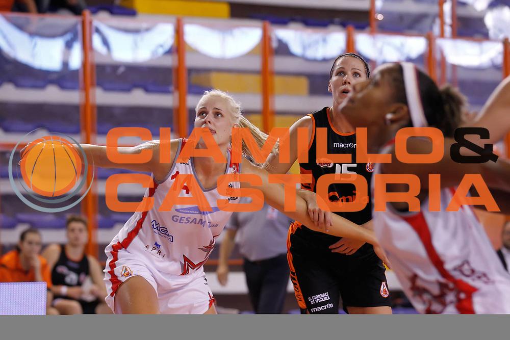 DESCRIZIONE : Pescara Lega A1 Femminile 2012-13 Opening Day 2012 Gesam Gas Lucca Famila Wuber Schio<br /> GIOCATORE : Marie Ruzickova<br /> SQUADRA : Gesam Gas Lucca<br /> EVENTO : Campionato Lega A1 Femminile 2012-2013 <br /> GARA : Gesam Gas Lucca Famila Wuber Schio<br /> DATA : 14/10/2012<br /> CATEGORIA : <br /> SPORT : Pallacanestro <br /> AUTORE : Agenzia Ciamillo-Castoria/ElioCastoria<br /> Galleria : Lega Basket Femminile 2012-2013 <br /> Fotonotizia : Pescara Lega A1 Femminile 2012-13 Opening Day 2012 Gesam Gas Lucca Famila Wuber Schio<br /> Predefinita :