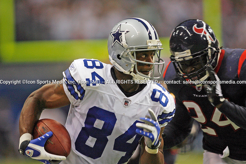 22 August 2008 - Patrick Crayton (84) of the Dallas Cowboys runs after a catch during the Cowboys 23-22 preseason win over the Houston Texans at Texas Stadium in Irving, Texas. NFL 2008 preseason. Photo: Icon SMI/PHOTOSPORT