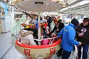Mannheim. 10.02.18 | <br /> Närrische Bootsfahrt mit dem Mannheimer Stadtprinzenpaar Miriam I. und Marcus I. <br /> Danch kleiner Umzug mit Gefolge zum Mannheimer Marktplatz über die Planken zum Wasserturm mit Fahrt im Riesenrad.<br /> Bild: Markus Prosswitz 10FEB18 / masterpress (Bild ist honorarpflichtig - No Model Release!) <br /> BILD- ID 03975 |