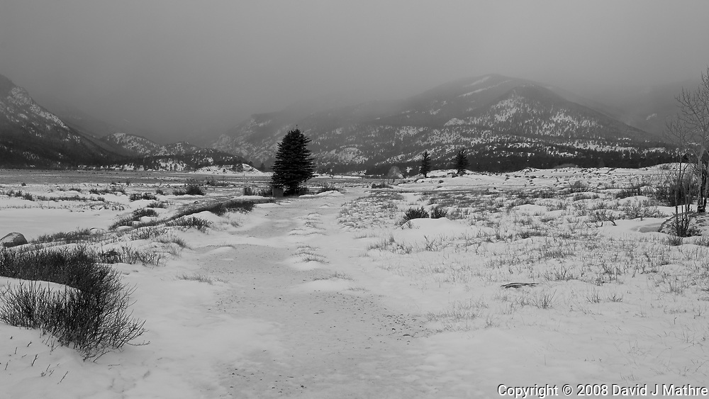 Winter Storm Approaching. Moraine Park in Rocky Mountain National Park. Image taken with a Nikon D2xs camera and 17-35 mm f/2.8 lens (ISO 100, 25 mm, f/9, 1/125 sec).