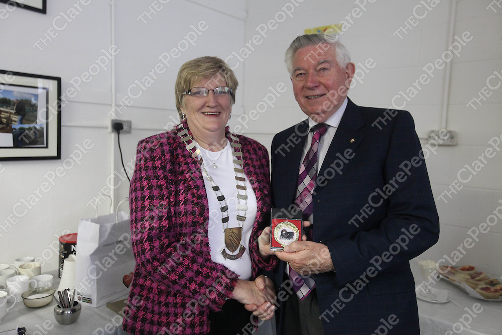 Mayor Mary Brennan and Pat Coughlin pictured at the Photo Expo in Ballycasey, Shannon on Friday.<br /> Pic. Brian Arthur/ Press 22.