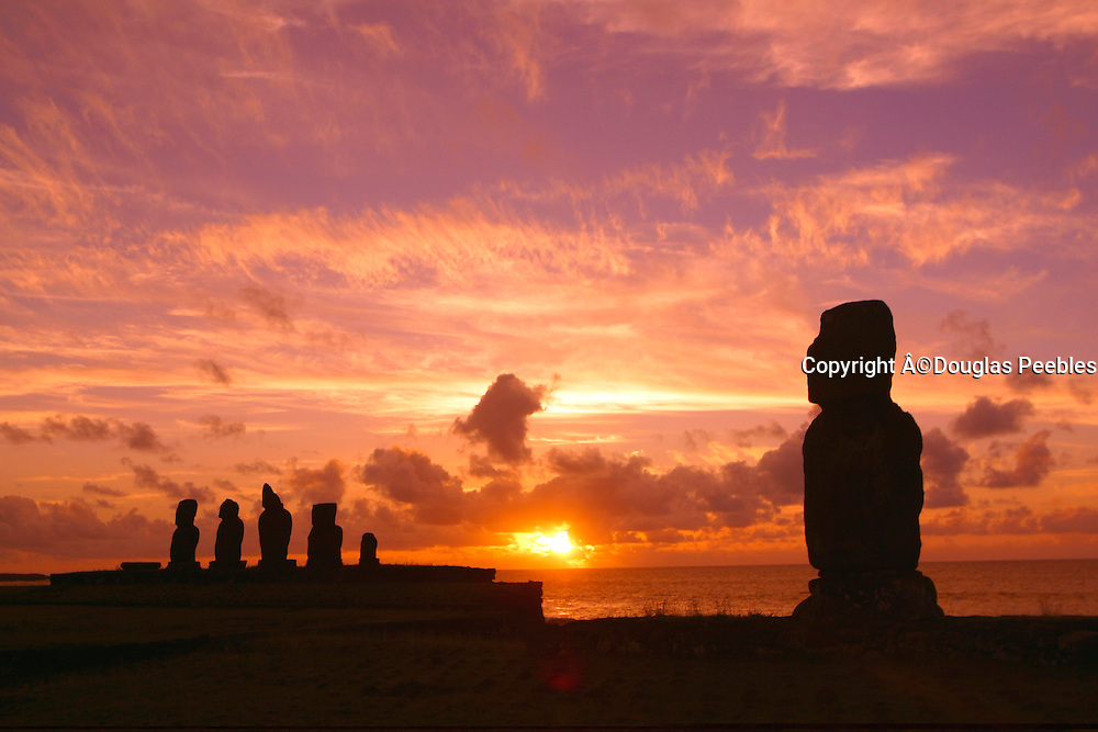 Sunset, Tahai Archeological site, Easter Island (Rapa Nui), Chile