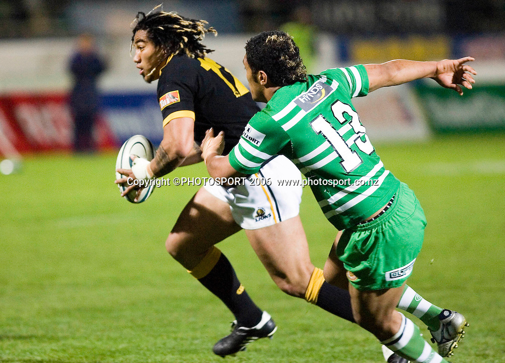 Wellington's Ma'a Nonu tries to get on the outside of a defender during the Air New Zealand Cup week 6 rugby match between Manawatu and Wellington at FMG Stadium, Palmerston North, on Saturday 2 September 2006. Wellington won 11-3.  Photo: Aaron Smale/PHOTOSPORT<br /> <br /> <br /> 020906 npc nz union