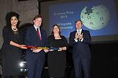 Koning reikt Erasmusprijs 2015 uit