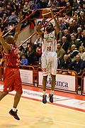 DESCRIZIONE : Pistoia Lega serie A 2013/14  Giorgio Tesi Group Pistoia Pesaro<br /> GIOCATORE : KYLE GIBSON<br /> CATEGORIA : tiro tre punti<br /> SQUADRA : Giorgio Tesi Group Pistoia<br /> EVENTO : Campionato Lega Serie A 2013-2014<br /> GARA : Giorgio Tesi Group Pistoia Pesaro Basket<br /> DATA : 24/11/2013<br /> SPORT : Pallacanestro<br /> AUTORE : Agenzia Ciamillo-Castoria/M.Greco<br /> Galleria : Lega Seria A 2013-2014<br /> Fotonotizia : Pistoia  Lega serie A 2013/14 Giorgio  Tesi Group Pistoia Pesaro Basket<br /> Predefinita :