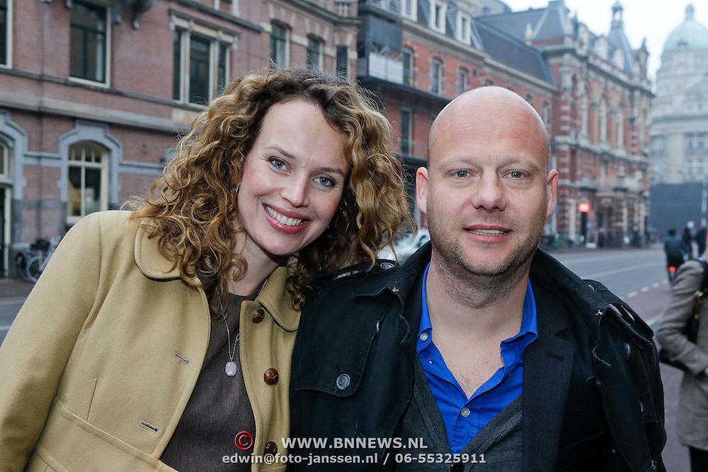 NLD/Amsterdam/20111120 - Premiere De Eetclub, Kim Pieters en partner Peter