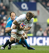 Picture by Andrew Tobin/Focus Images Ltd +44 7710 761829.10/03/2013.  Geoff Parling of England (R) is tackled by Sergio Parisse of Italy during the RBS 6 Nations match at Twickenham Stadium, Twickenham.