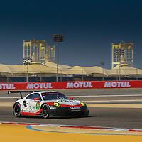 #91, Porsche Motorsport, Porsche 911 RSR (2017), driven by: Richard Lietz, Frederic Makowiecki, WEC BAPCO 6 Hours of Bahrain, 17/11/2017,