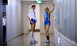 21-08-2009 VOLLEYBAL: WGP FINALS JAPAN - NEDERLAND: TOKYO<br /> Japan wint met 3-0 van Nederland / Kim Staelens en Manon Flier<br /> ©2009-WWW.FOTOHOOGENDOORN.NL
