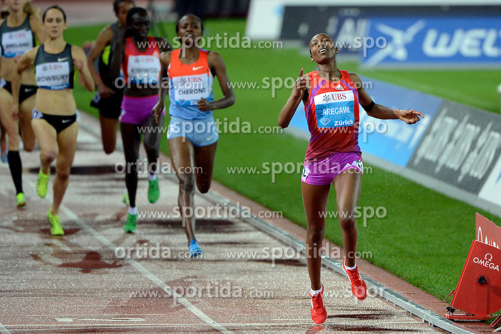 30.08.2012, Stadion Letzigrund, Zuerich, SUI, Leichtathletik, Weltklasse Zurich 2012, im Bild, Siegerin Abeba Aregawi (ETH), 1500m Frauen // during Athletics World Class Zurich 2012 at Letzigrund Stadium, Zurich, Switzerland on 2012/08/30. EXPA Pictures © 2012, PhotoCredit: EXPA/ Freshfocus/ Andy Mueller..***** ATTENTION - for AUT, SLO, CRO, SRB, BIH only *****