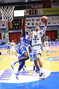 DESCRIZIONE : Cremona Lega A 2015-2016 Vanoli Cremona Banco di Sardegna Sassari<br /> GIOCATORE : Raphael Gaspardo<br /> SQUADRA : Vanoli Cremona<br /> EVENTO : Campionato Lega A 2015-2016<br /> GARA : Vanoli Cremona Banco di Sardegna Sassari<br /> DATA : 17/01/2016<br /> CATEGORIA : Tiro Penetrazione Sottomano<br /> SPORT : Pallacanestro<br /> AUTORE : Agenzia Ciamillo-Castoria/F.Zovadelli<br /> GALLERIA : Lega Basket A 2015-2016<br /> FOTONOTIZIA : Cremona Campionato Italiano Lega A 2015-16  Vanoli Cremona Banco di Sardegna Sassari<br /> PREDEFINITA : <br /> F Zovadelli/Ciamillo