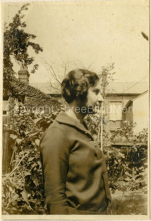 Nora van Langenberg in England. 11th August 1925