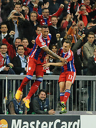 21.04.2015, Allianz Arena, Muenchen, GER, UEFA CL, FC Bayern Muenchen vs FC Porto, im Bild Jubel bei Jerome Boateng (FC Bayern Muenchen) und Rafinha (FC Bayern Muenchen) nach dem 2:0 durch Jerome Boateng (FC Bayern Muenchen). // during the UEFA Semi Final 2nd Leg Match between FC Bayern Munich and FC Porto at the Allianz Arena in Muenchen, Germany on 2015/04/21. EXPA Pictures © 2015, PhotoCredit: EXPA/ Eibner-Pressefoto/ Stuetzle<br /> <br /> *****ATTENTION - OUT of GER*****