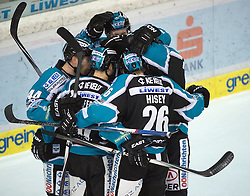 07.02.2016, Keine Sorgen Eisarena, Linz, AUT, EBEL, EHC Liwest Black Wings Linz vs Dornbirner Eishockey Club, Platzierungsrunde,im Bild Linz feiert // during the Erste Bank Icehockey League 51th round match - placement round between EHC Liwest Black Wings Linz and Dornbirner Eishockey Club at the Keine Sorgen Icearena, Linz, Austria on 2016/02/07. EXPA Pictures © 2016, PhotoCredit: EXPA/ Reinhard Eisenbauer