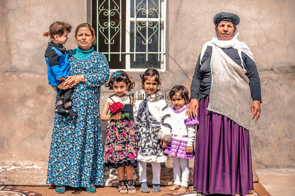 Yazidi family in Bahzani