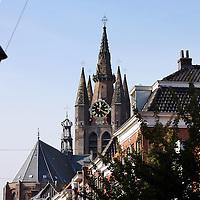 Nederland, Delft , 29 september 2010..Schrijver Kader Abdolah tijdens een wandeling door het centrum van Delft en de Bieslandse Bossen. ..Foto:Jean-Pierre Jans