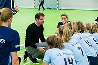 VIANEN -Frank Balvers (coach Laren)   Laren-Oranje Rood dames.  COPYRIGHT KOEN SUYK