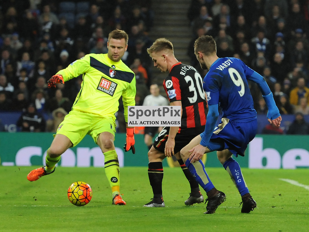 Artur Boruc kicks the ball away to clear the danger as Jamie Vardy closes in (c) Simon Kimber | SportPix.org.uk