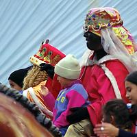 Toluca, M&eacute;x.- Los reyes magos hacen ya presencia en Toluca. Agencia MVT / Arturo Rosales Ch&aacute;vez. (FILM)<br /> <br /> NO ARCHIVAR - NO ARCHIVE
