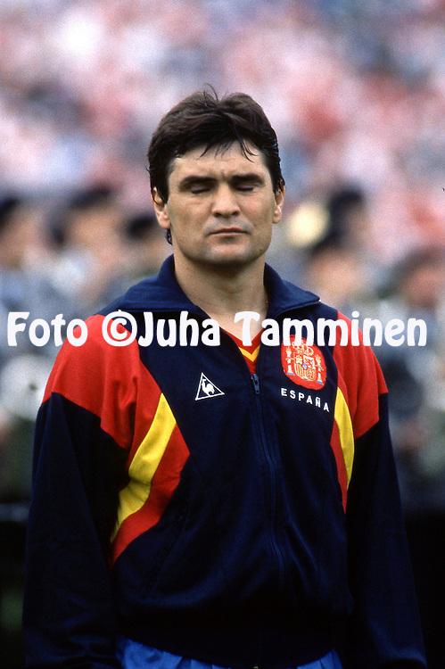 UEFA European Championship - West Germany 1988<br /> 11.6.1988, Niedersachsenstadion, Hannover.<br /> Group 1, Denmark v Spain.<br /> Jos&eacute; Antonio Camacho - Spain