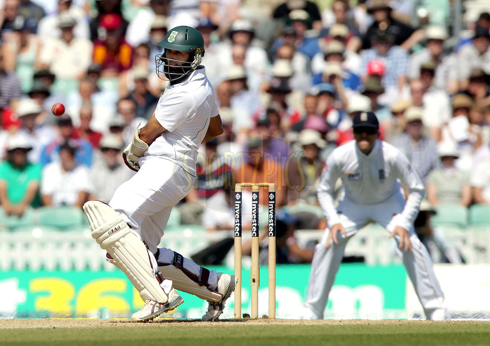 © Andrew Fosker / Seconds Left Images 2012 - South Africa's Hashim Amla  sways away from a short ball England v South Africa - 1st Investec Test Match -  Day  4 - The Oval  - London - 22/07/2012