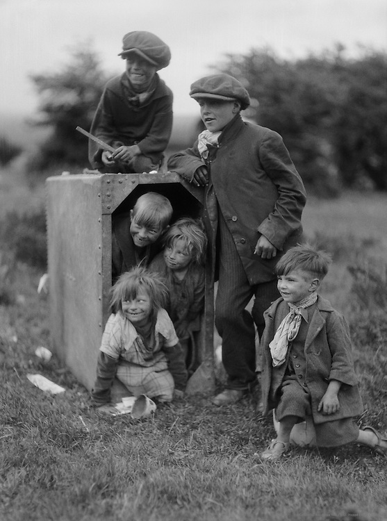 Gipsies at Epsom Downs, Surrey, England, 1930
