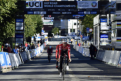 September 16, 2017 - Bergen, Norway - BERGEN, NORWAY - SEPTEMBER 16 : THEUNS Edward (BEL) Rider of Trek - Segafredo pictured during the reconnaisance of the Team Time Trial 2017 World Road Championship cycling race on September 16, 2017 in Bergen, Norway, 16/09/2017 (Credit Image: © Panoramic via ZUMA Press)
