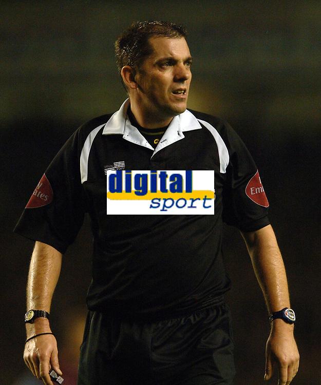 Photo: Paul Greenwood.<br />Everton v Aston Villa. The Barclays Premiership. 11/11/2006. Referee Mr Phil Dowd.