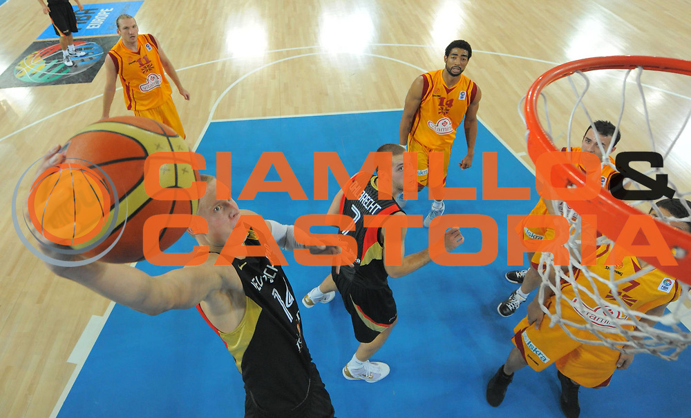 DESCRIZIONE : Bydgoszcz Poland Polonia Eurobasket Men 2009 Qualifying Round Macedonia Germania F.Y.R.of Macedonia Germany <br /> GIOCATORE : Robin Benzing<br /> SQUADRA : Germania Germany <br /> EVENTO : Eurobasket Men 2009<br /> GARA : Macedonia Germania F.Y.R.of Macedonia Germany <br /> DATA : 13/09/2009 <br /> CATEGORIA :<br /> SPORT : Pallacanestro <br /> AUTORE : Agenzia Ciamillo-Castoria/T.Wiedensohler<br /> Galleria : Eurobasket Men 2009 <br /> Fotonotizia : Bydgoszcz Poland Polonia Eurobasket Men 2009 Qualifying Round Macedonia Germania F.Y.R.of Macedonia Germany <br /> Predefinita :